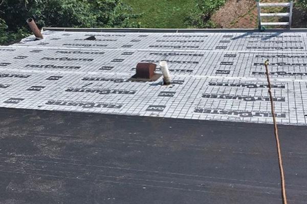 roofing08B9655744-69C0-2434-1C54-B48010F59D62.jpg